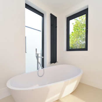 Contemporary freestanding bathtub